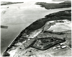 Black and White Aerial Photograph of Historic Buildings at Fort Lytton, Brisbane and surrounding area (Queensland State Archives) Tags: brisbane fortlytton military encampment queensland historicbuildings lytton river photograph aerialphotograph