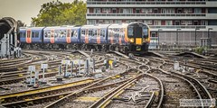 LondonWaterlooRailStation2017.10.31-42 (Robert Mann MA Photography) Tags: londonwaterloorailstation londonwaterloostation londonwaterloo waterloorailstation waterloostation waterloo lambeth londonboroughoflambeth london greaterlondon station trainstation trainstations railwaystation railstation railwaystations railstations railway railways architecture train trains city centre cities londoncitycentre 2017 tuesday autumn 31stoctober2017 networkrail networkrailwaterloo southwesttrains southwesternrailway class450 desiro class450desiro class444 class444desiro class707 desirocity class707desirocity class458 juniper class458juniper class455 class456 class159 southwesternturbo class159southwesternturbo