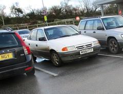 1994 Vauxhall Astra Belmont 1.4i GLS (occama) Tags: m916ftt 1994 vauxhall astra belmont saloon opel white old car cornwall uk bangernomics