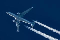 KLM Airbus A330-203 PH-AOB (Thames Air) Tags: klm airbus a330203 phaob contrails telescope dobsonian overhead vapour trail