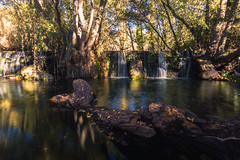 Cascada (pituxin) Tags: sonyalpha6000 madrid samyang12mm spain cascada otoño pueblo sun