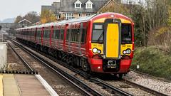 387206 (JOHN BRACE) Tags: 2015 bombardier derby built class 387 electrostar emu 387206 seen horley station gatwick express livery