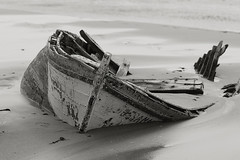 lost (murtica27) Tags: sea ocean strand beach bolonia andalusia spain spanien espana sky water boat wreck wrack lost sony alpha lonely stille silence scenery nature black white blanc noir schwarz weis monochrome bw sw