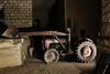 Carrière du matériels 33 (Thomas-60) Tags: tractor masseyferguson carrière tracteur godet champignonnière underground quarry