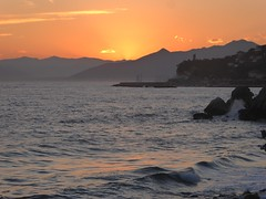 se ne è andato (fotomie2009) Tags: varigotti tramonto sunset sea mare finale ligure riviera ponente liguria italy italia coast costa coastal seascape landscape paesaggio marina