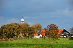 Herfstlicht-op-Oosterzee-Fr (Don Pedro de Carrion de los Condes !) Tags: donpedro d700 fx friesland fries frieslan landschap herfst bomen schuren kerk weide daken wijds