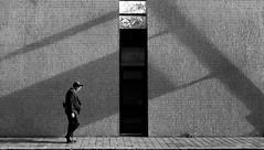 street (dizbin) Tags: architecture bw blackandwhite candid city dizbin england em10 guildhall hampshire hants uk mzuiko noiretblanc olympus omd outdoors omd10 photo photograph photography people prime portsmouth portrait street streetphotography shadow schwarzundweiss urban wall walk