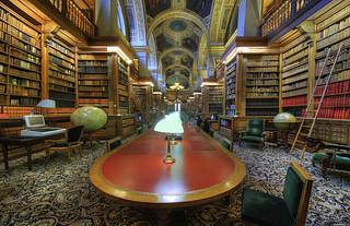La bibliothèque de l'Assemblée Nationale.