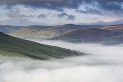 Edale (l4ts) Tags: landscape derbyshire peakdistrict darkpeak kinderscout edale grindslowknoll mist temperatureinversion losehill