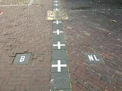 Grens België - Nederland (Wijdbeens) Tags: border grens nederland belgië grensnederlandbelgië baarlenassau baarlehertog