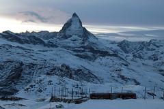 Matterhorn - Mont Cervin - Monte Cervino ( VS - I - 4`478 m - Erstbesteigung 1865 - Viertausender - Berg montagne montagna mountain ) in den Walliser Alpen - Alps bei Zermatt im Mattertal - Nikolaital im Kanton Wallis - Valais der Schweiz und Italien (chrchr_75) Tags: christoph hurni schweiz suisse switzerland svizzera suissa swiss chrchr chrchr75 chrigu chriguhurni chriguhurnibluemailch november2017 november 2017 albumzzz201711november berg alpen alps mountain matterhorn mont cervin monte cervino zermatt landschaft landscape wallis valais kantonwallis montcervin montecervino albummatterhorn sveitsi sviss スイス zwitserland sveits szwajcaria suíça suiza albumbahnenderschweiz albumbahnenderschweiz2017712 schweizer bahnen bahn eisenbahn train treno zug albumggbgornergratbahn kantonvalais zahnradbahn