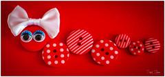 Caterpillar Girl (Inky-NL) Tags: macromondays buttonsandbows buttons bows knopen strikken caterpillar red eyes ingridsiemons©2017 girl color rood circle macro