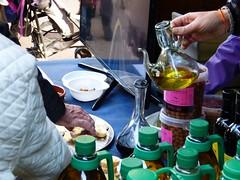 Aceite de oliva 2017 (2) (calafellvalo) Tags: aceiteoiloliolivadegustacióntarragonacalafellvalosiuranaarbequina aceite oliva oil oli arbequina olivos aceitunas paamboli panconaceite rostada oroverde hispania tarragona tarraco calafellvalo