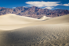 E C H O E S (benoitgx) Tags: nationalpark deathvalley california usa mesquite flat sand dunes sony alpha6000 landscape mountains minimalist 2017