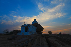 HEAVENLY LIGHT (GOPAN G. NAIR [ GOPS Photography ]) Tags: gopsorg gops gopsphotography gopangnair gopan photography malyavanta raghunatha temple hampi sunset evening sky heavenly clouds india karnataka