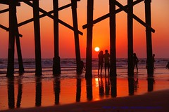 Don't Let The Sun Go Down On Me..... (law_keven) Tags: newportbeach orangecounty america usa roadtrip holiday vaction newportpier pacific pacificocean photography landscapephotography