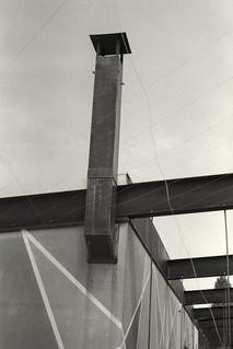 Perspective from below (Nikon F2, Kodak Tri-X 400, Tetenal)