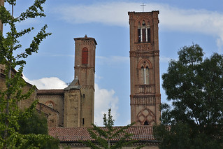 2016.09.10.263 BOLOGNE - Basilique San Francesco, les campaniles