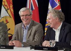Premiers/premiers ministres Selinger and/et Charest at the news conference/à la conférence de presse
