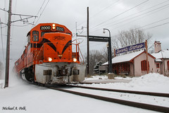 CSS 2000 @ Beverly Shores, IN (Michael Polk) Tags: chicago south shore bend railroad emd gp382 2000 freight train beverly shores depot michigan city 11th street running snow