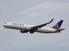 N667UA Boeing 767-322ER United Airlines (corkspotter / Paul Daly) Tags: n667ua boeing 767322er b763 29239 716 l2j jldp a8cffd ual ua united airlines 1998 19980831 kiah iah houston intercontinental