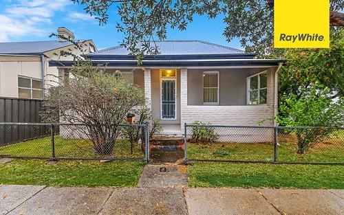 8 Walter St, Granville NSW 2142