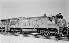 Southern Pacific U30C locomotive 7911 at Colton in 1976 (Tangled Bank) Tags: train trains railway railways railroad railroads old classic heritage vinyage california vintage north american motive power 1970s 70s