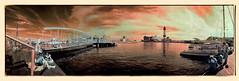 Moll de les Drassanes (Ar@lee) Tags: airelibre bordeparafotos colours clouds d50 espectrocompleto fullspectrum fotografíainfrarroja filtro680nm ir nikond50 sky nubes naranja orange photographyinfrared panorámica red rojo puente molldelesdrassanes barcelona maremagnum barcos boats teleférico puerto cablerailway dock