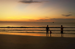 Togetherness (dorameulman) Tags: sunrise dawn beach ocean seascape waves silhouette southcarolina sc family haiku canon7dmark11 canon seaside sky people