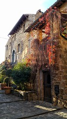 The Dying Town (uffagiainuso) Tags: houses oldcity dyingtown oldtown oldbuilding oldfacades alleys alley vicoliantichi vicoli italia italianvillages villages cityexplorer cityview