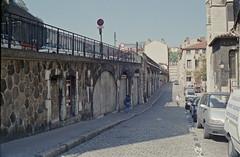 Rue Saint Paul, Lyon, 10 Sep 1997 (Ian D Nolan) Tags: epsonperfectionv750scanner 35mm lyon france sncf lyonstpaulstn