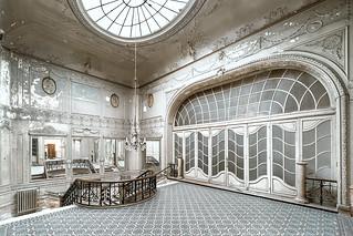 • Pałac Diamentowy