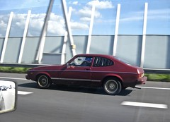 90-UA-19 FORD Capri II 2000 S 1978 While Driving (ClassicsOnTheStreet) Tags: 90ua19 ford capri ii 2000 s 1978 whiledriving capriii fordcapri 2000s coupe mkii 6cylinder 6cilinder 70s 1970s classic oldtimer veteran classiccar klassieker gespot spotted carspot amsterdamoost amsterdam oost a10 motorway snelweg autopista autobahn 2017 straatfoto streetphoto streetview strassenszene straatbeeld classicsonthestreet cwodlp onk onderweg redcar rood red rot rouge rosso roja kombicoupé combicoupé
