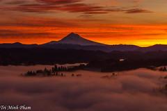 Mt. Hood at sunrise (Tri Minh) Tags: mthood sunrise portland jonsrud oregon fog
