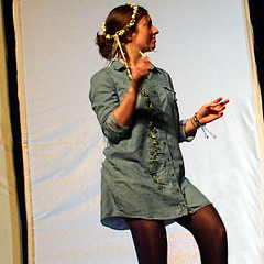 A la Belge ¬ 0484 (Lieven SOETE) Tags: art artistic kunst artistik τέχνη arte искусство social socioartistic culture cultuur kultur performance festival apresentação espetáculo young junge joven jeune jóvenes jovem teenager adolescente schoolboy schoolgirl girl niña ragazza mädchen chica meisje fille body corpo cuerpo corps körper dance danse danza dança baile tanz tänzer dancer danseuse tänzerin balerina ballerina bailarina ballerine danzatrice dançarinav
