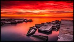 MAR EN LLAMAS-SEA IN FLAMES (FEMCUA) Tags: nubes nwn martesdenubes martedidinuvole cloudsstormssunsetssonrises felizmartesdenubes amanecer nwncloudstuesday wonderfulclouds clouds nuvole salidadesol mar oceano sol rojo amanecerrojo