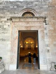 45 - Jézus színeváltozásának bazilikája - bejárat / Vchod do Kostola Premenenia Pána