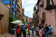 Vacances_0284 (Joanbrebo) Tags: riquewihr grandest francia fr alsace hautrhin canoneos80d eosd efs1855mmf3556isstm autofocus streetscenes street carrers calles gente gent people peopleandpaths