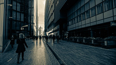 London, U.K. (DiSorDerINaMirrOR) Tags: london londra londoncity londres lovelondon uk england architecture autumn citiy cityoflondon citylife cityscape people urban streetview streetphotography streetstyle wanderlust londonbridge icon
