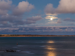 Moonrise (Trace Connolly Photography) Tags: australia natur natura natural nature naturaleza naturephotography colour color colourful outdoor outdoors outside eos canon sunlight exposure flickr landscape seascape ocean beach sea seaside earth environment environmental environmentalphotography sand water rock rocks sunset sunrise contrast cove red green yellow blue black white scene scenery bay scenic cloud clouds sky weather holiday barwonheads moon moonrise