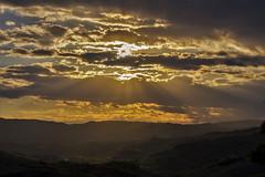 Tramonto-Montefiore (1) (gio.cam) Tags: nuvole raggi sole landscape giallo ngc