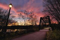 Lever du jour sur Chicoutimi (gaudreaultnormand) Tags: automne canada frais leverdesoleil lumière quebec saguenay sunrise arbre ciel route