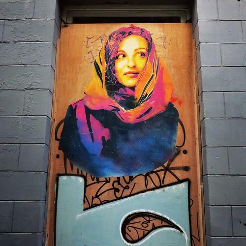Let me brighten up your day / #Art by #Idmtal. . #brussels #Belgium #streetart #graffiti #streetartbel #streetart_daily #urbanart #urbanart_daily #graffitiart_daily #graffitiart #streetarteverywhere #mural #wallart #bxl #ilovestreetart #igersstreetart #ig