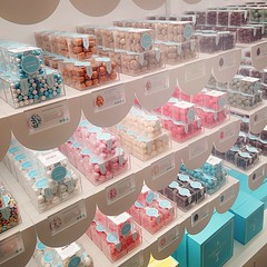 New candy shop in town #sugarfina. Will be making regular visits, that's for sure 😊🍫🍬🍭 (Ed Ng Photography) Tags: vancityfood sweets vancouver candies sugarfina vancouverisawesome 604now viawesome