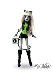 Meowlody (Lucy Whitebat) Tags: monsterhigh doll dolls osalina mattel photo photos mh 2017 monsterhigh2017 photoshoot meowlody purrsephoneandmeowlody werecat cat twins ghoulspirit