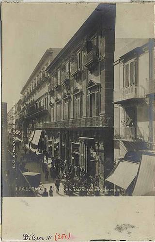 Palermo -  corso Vittorio Emanuele e palazzo riso