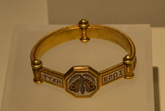 Rome, Italy - Villa Giulia (Etruscan Museum) - Jewelry (1) (jrozwado) Tags: europe italy italia rome roma villagiulia museum archaeology etruscan jewelry gold moth