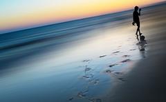 Paseos por Doñana (mesana62) Tags: abstract backlight beach blue andalucia almonte young cylon13 nature nikkor mirror mesana mar spain silhouette sunset ocean landscape d3200 x contraluz huelva nikon torredelahiguera oceano atlántico silueta playa shadow silhouettes siluetas