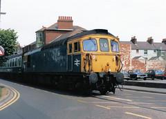 33102 - Weymouth 21-06-1981-2 (Simmo (26046)) Tags: 33102 class33 weymouth tramway boattrain 33