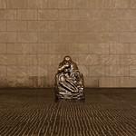 Neue Wache - Skulptur Mutter mit totem Sohn thumbnail